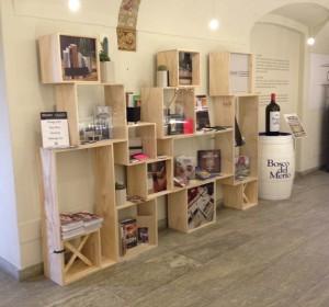Precedente<span>Libreria in legno</span><i>←</i>